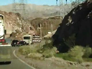 कार में handjob