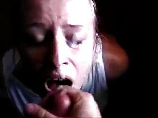 सह और एक चेहरे से orgasms के लिए भी जन्म देती है
