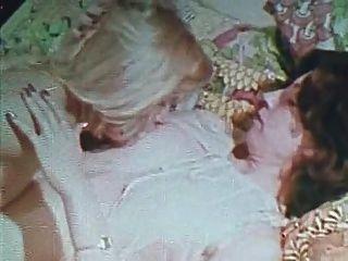पुरानी सोने की विशेष संस्करण लड़कियों के केवल 5 दृश्य 2 समलैंगिक दृश्य