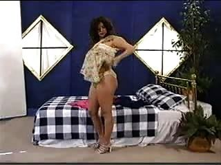 गर्भवती माँ undressed.f70