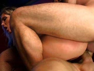 गर्म परिपक्व दो पुरुषों fucks बहुत अच्छी तरह से (वीएम)