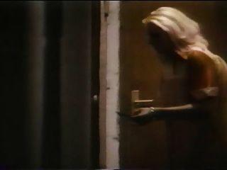 La nymphomane विकृत (1977) फुल पुरानी फिल्म