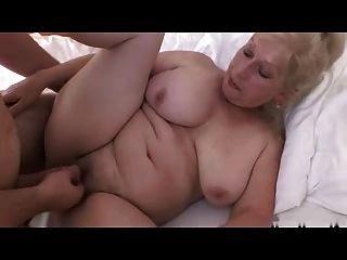 गोरा दादी R20