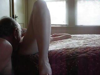 मेरी मालकिन एक अच्छा fuck..nice की जरूरत है और धीमी गति से जब तक वह आया