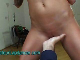 जंगली श्यामला Lapdance, हाथापाई और titty काम करता है