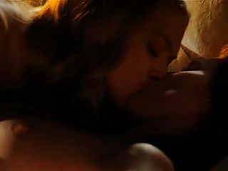 अमांडा Seyfried और मूर क्लो से समलैंगिक दृश्य