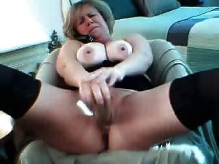 वेबकैम पर सींग का परिपक्व squirts