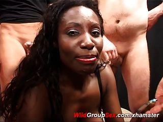 जर्मन गैंगबैंग नंगा नाच