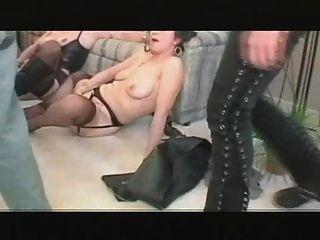 3 कुछ एमआईएलए lesbo खेलने नंगा नाच करने के लिए चला गया