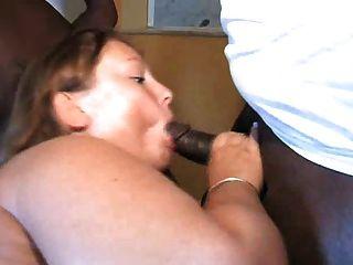 बड़ी लड़की काला मुर्गा प्यार करता है