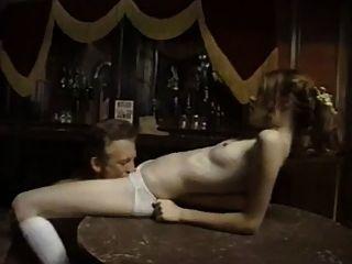 पुरानी चरवाहे पट्टी में मासूम युवा लड़की बकवास