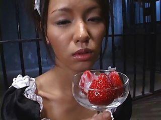 खाद्य - सह के साथ जापानी स्ट्रॉबेरी