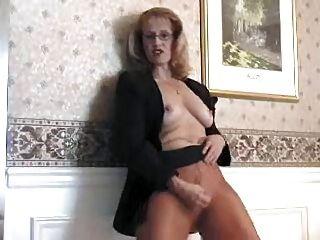 Slutty Sammi आप उसके साथ सह करने के लिए चाहता है