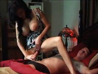 बड़े स्तन माँ के जवान आदमी fucks