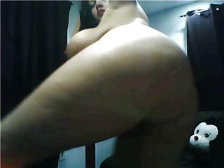 भारी स्तन विशाल गधा बट नग्न पोल डांस