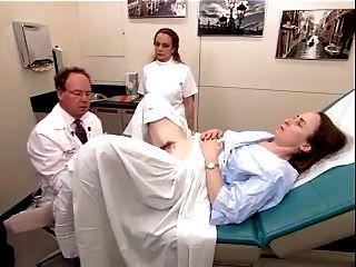 एक बालों परिपक्व महिला 2 से एक असली परीक्षा वीडियो