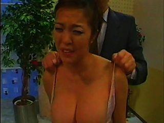 एशियाई newswoman groped और तैसा थप्पड़ मारा (पूर्ण संस्करण)