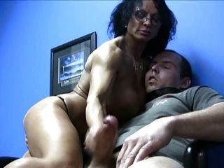 बड़े स्तन milf handjob