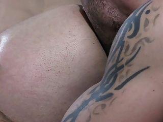 दो अविश्वसनीय सेक्सी लोगों के साथ चिलचिलाती गर्म दृश्य