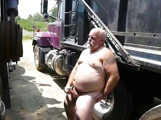 ट्रक jo