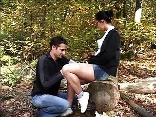 जंगल में फ्रेंच Liza डेल सिएरा