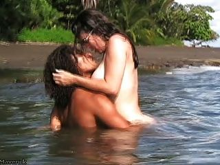 निकी फ्रिट्ज कट्टर बी.जे. और कोस्टा रिका समुद्र तट पर सेक्स