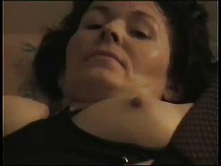 शौकिया परिपक्व संभोग करने के लिए masturbates!