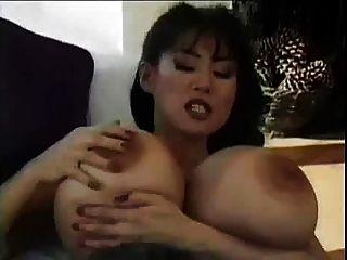 बड़ा एशियाई स्तन कार्रवाई