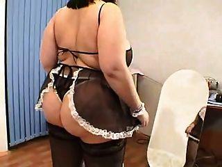 कमरे में बड़े स्तन के साथ बीबीडब्ल्यू