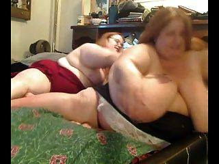 सींग फैट एक दूसरे के साथ खेल रहे हैं मोटापे से ग्रस्त समलैंगिकों