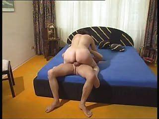 मोज़ा में बालों वाली गर्म महिला गड़बड़