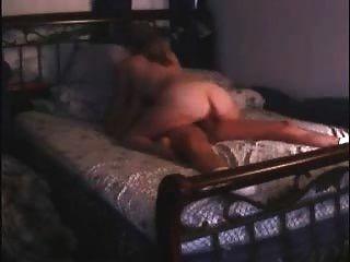 एमआईएलए दंपती ने अपनी वेब कैमरा, जब वे सेक्स कर रहे थे और हर किसी के द्वारा देखा गया था बंद करने के लिए भूल गया!