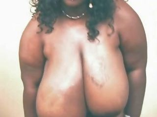 बड़े स्तन के साथ शौकिया आबनूस BBW