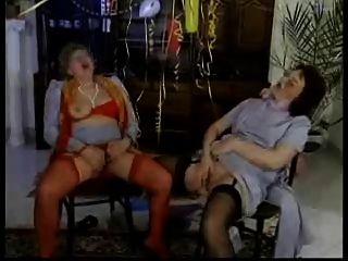 समलैंगिक grannies R20