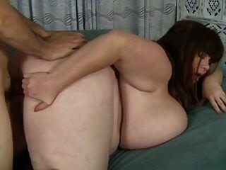 मिठाई माँ और उसे अद्भुत विशाल प्राकृतिक स्तन!