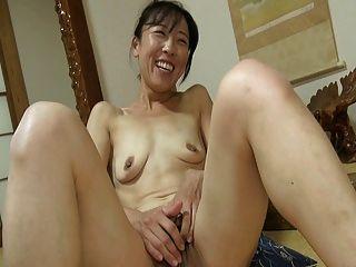 जापानी लड़की बड़ा clit 1