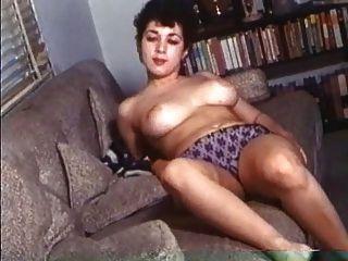 प्राकृतिक बड़े स्तन के साथ रेट्रो सुंदर महिलाओं!
