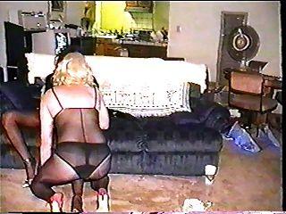 एक और गोरा टीवी के साथ टीएस