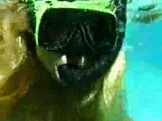 पानी के नीचे सेक्स - फ्रांसीसी जोड़ी बकवास