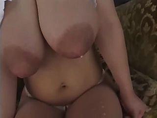 एशियाई लड़कियों को विस्फोट करने के लिए तैयार स्तन