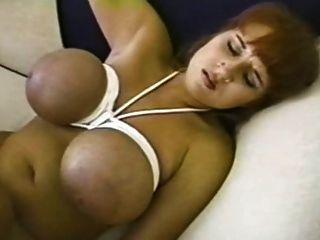 ब्रांडी डीन - बाध्य स्तन पीटने