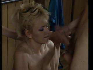सेक्सी एरोबिक्स।(बालों cunts और प्राकृतिक स्तन)