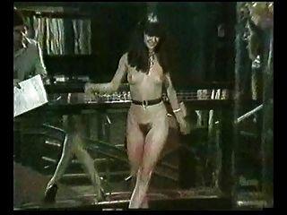 मिस नग्न 1988