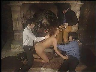 इतालवी डबल प्रवेश समूह सेक्स का आनंद ले बेब !!