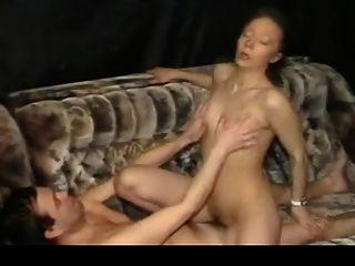 बूढ़े आदमी fucks जवान लड़की 5 (कृपया मेरी विवरण पढ़ें)