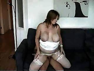 बीबीडब्ल्यू बड़े स्तन के साथ गड़बड़ है