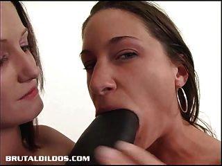 एक बड़ा काला क्रूर dildo के साथ कमबख्त हैले Alissa