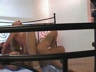 स्लोवाक रोमांचक लड़की मोजा S88 में गुदा सेक्स हो जाता है
