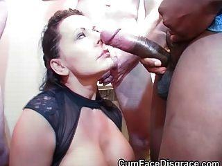 कार्ली बड़े लंड पर बेकार है और Bukkake लेता है