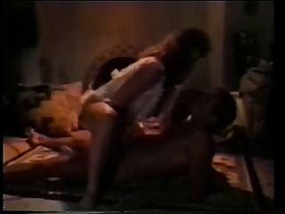 80 के दशक के खंड 3 में XXX ब्रा दर्द - 1980